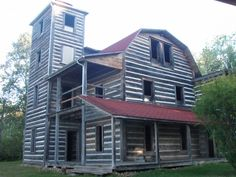 White Otter Castle - The Story of Hope and Unrealized Dreams - Northern Ontario, Canada Old Abandoned Buildings, Abandoned Property, Abandoned Mansions, Old Buildings, Abandoned Places, Creepy Houses, Historical Architecture, Haunted Places, Cabins In The Woods