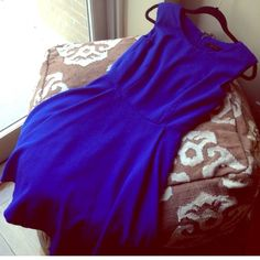 The Limited Swing Dress Gorgeous swing dress. Royal blue color and can be worn any season with the right accessories. Good used condition, minor piliing due to wear shown in photos. The Limited Dresses Midi