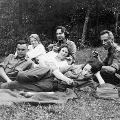 Margaret Mitchell hanging out with friends at Lake Burton. c. 1920