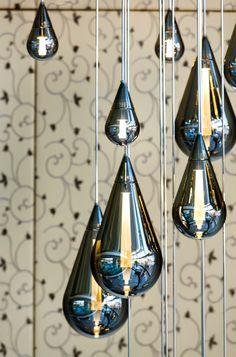 Fluid Chandelier by Beau McClellan Rustic Lighting, Home Lighting, Modern Lighting, Lighting Design, Rope Pendant Light, Chandelier Pendant Lights, Light Art, Lamp Light, Ceiling Decor