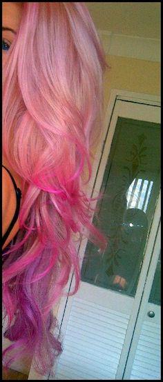 12 Blondes Haar mit roten Highlights: Haarfarbe Ideen  #blondes #haarfarbe #highlights #ideen #roten