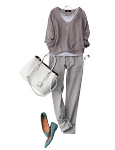 Love the style and colors, great weekend look...no to the shoe color
