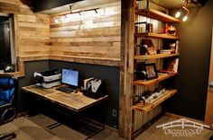 45 Small Home Office Design Ideas (Photos), … - Arbeitszimmer Industrial Home Offices, Rustic Home Offices, Industrial Office Design, Small Home Offices, Rustic Office, Industrial Interiors, Industrial House, Home Office Design, House Design