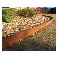 bordure jardin design aspect rouillé en acier corten pour délimitation massif de fleurs - galets - ardoisse pilées - limite l'arrosage et dessine votre jardin