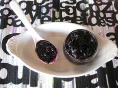 blueberry ketchup.... for use on burgers with brie mmm