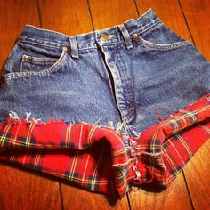 Flannel Lined High Waisted Shorts. I Just love shorts. I might try to make this one myself!