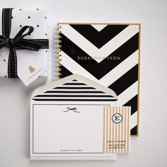 Personalized Flat Cards - Bow - Stripe & Polka Dot Lined Envelopes (10) #letterlovedesigns #bow