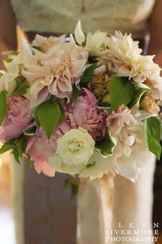 garden wedding, dahlia, peony, lanam club, andover, urns, estate wedding