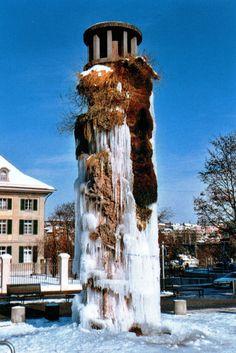 Meret Oppenheim. Tower fountain in winter
