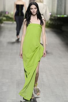 Vionnet RTW Fall 2014 - Slideshow - Runway, Fashion Week, Fashion Shows, Reviews and Fashion Images - WWD.com