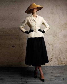 CHRISTIAN DIOR/Bar Suit/1947 s/s. The New Look Collection as dubbed by Carmel Snow of Harper's Bazaar. Modern image by Patrick Demarchelier.