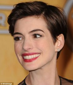 And the award for best ear goes to: Anne Hathaway