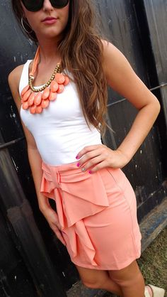 Teardrop Necklace - Peach and thhis super cute Outfit