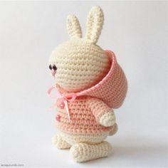 amigurumik.com; Вязаный Зай В Розовой Курточке