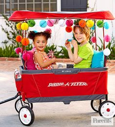 The Ultimate EZ Fold Wagon is a clever version of Radio Flyer's classic; it folds up to fit in your trunk and stores more easily in the garage.