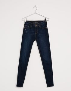 Jeans skinny regular waist. Descubre ésta y muchas otras prendas en Bershka con nuevos productos cada semana Classy Work Outfits, Cute Outfits, Striped Jeans, Blue Jeans, Colourful Outfits, Hip Hop, Skinny Jeans, Shorts, Denim