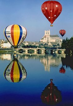#Auxerre #Yonne #Bourgogne #Balloons