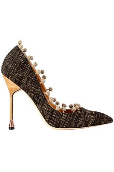 MANOLO BLAHNIK TO RECIEVE OUTSTANDING ACHIEVEMENT AWARD    (Fall Winter 2012 Collection)