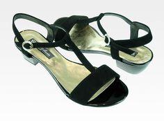 Sandały w kolorze czarnym nr wzoru 2621/1, zamsz, 30 mm, 210 PLN, r.42 (27,6cm)