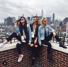 Here is our list of spring break trip ideas perfect for a girls trip. Escape the madness of spring break and spend sometime with your gals! Cute Friend Pictures, Best Friend Pictures, Couple Pictures, Friend Poses Photography, Couple Photography, Fashion Photography, Foto Fashion, Cute Friends, Friends Girls