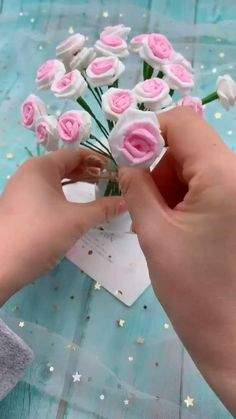 Cool Paper Crafts, Paper Flowers Craft, Paper Crafts Origami, Flower Crafts, Diy Flowers, Handmade Flowers, Easy Origami, Origami Tutorial, Paper Origami Flowers