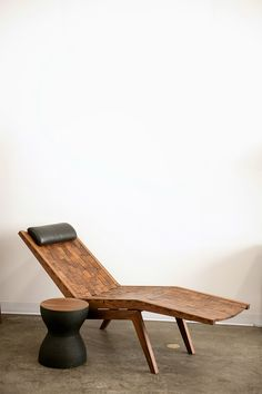 Scott McGlasson uses organic materials to build heirloom furniture pieces. But is his method sustainable? Home Furniture, Outdoor Furniture, Outdoor Decor, Diy Projects Cans, Creative Inspiration, Sun Lounger, Contemporary Design, Home Furnishings, Dining Bench