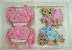 i cupcake fatti a portachiave, messi sull'invito per la festa di compleanno di giulia!! voglio provarci
