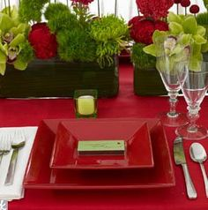 christmas dinners, color combo, red, christmas tables, green, dinner parties, wedding colors, tabl set, christmas table settings