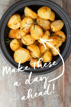 This is a great Christmas lunch time-saver! On Christmas eve, peel and parboil the potatoes as normal (making sure you shake the colander when you drain your potatoes to fluff up those edges) and then roast at for minute Christmas Roast, Vegan Christmas, Christmas Cooking, Christmas Eve, Christmas Lunch Ideas, Christmas Turkey, Christmas Snacks, Perfect Roast Potatoes, Slow Cooker Recipes