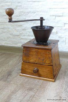 Alte große Kaffeemühle, old coffee grinder, ancien moulin à café, um 1880