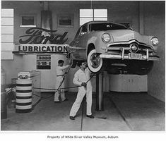 Vintage service station with 1949 Ford on the lift. Garages, Vintage Cars, Antique Cars, Vintage Auto, Vintage Photos, Antique Photos, Retro Cars, Vintage Stuff, Vintage Travel