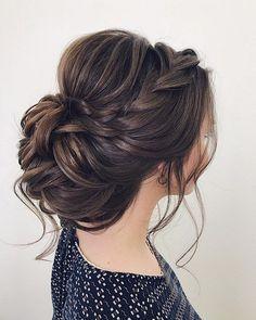 wedding updos for medium length hair,wedding updos,updo hairstyles,prom hairstyles #updos #hairstyles #bridehair #weddinghairstyles #weddinghairstylesmediumlength