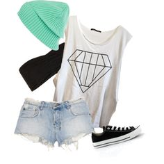 A good summer outfit with a beanie! You can't go wrong <3