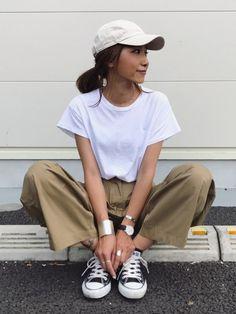 大人女子にキャップを使った夏のおすすめの着こなしを紹介します。子供っぽく見えがちなキャップを大人っぽくコーディネートして楽しくおでかけに出かけましょう♡