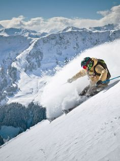 You want find the best ski resorts with good snow coverage and a wide choice of activities? Our selection of the best places to ski in Europe is for you ! Best Family Ski Resorts, Enchanted Island, Cultural Capital, Holiday Hotel, Best Skis, Ski Holidays, Das Hotel, Picture Postcards, Most Beautiful Cities