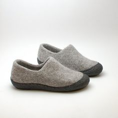 Felted wool clogs are handmade warm footwear. They are made of organic un-dyed not chemically treated wool. I Felt these clogs using wet felt Wool Shoes, J Shoes, Clogs, Felt Boots, Womens Training Shoes, Felted Slippers, Wool Felt, Felted Wool, Slipper Boots