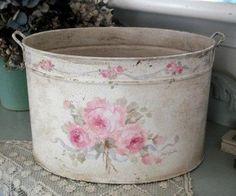 shabby chic tub... #shabbychicbathroomsdiy