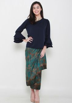 Meisie Flare Sleeves Top from Naphthys Collection in navy_4