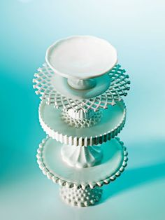 Two of my obsessions in one? Say it isn't so! Milk glass/hob nail AND cake stands!!!!