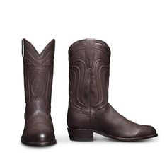 The Cartwright by Tecovas is a traditional cowboy boot, handmade of U. calfskin, featuring an angled heel, signature toe stitching and hand-corded pattern on its shaft. Tecovas Boots, Roper Boots, Cool Boots, Western Boots For Men, Western Cowboy, Cowboy Gear, Western Wear, Leather Heels, Leather Men