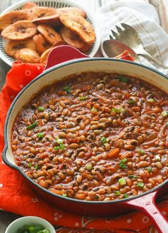 Red Red Recipe- A hearty tasty and no fuss vegetarian black-eyed peas stewed beans- African Style Here, in the United States, black- eyed peas are best known, especially in the south, as a good luck and prosperity meal. African Stew, West African Food, South African Recipes, Ethnic Recipes, West African Recipe, Ghanaian Food, Nigerian Food, Pea Recipes, Crack Crackers