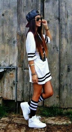 5. Sports event: this outfit is a good outfit to wear to a sports event because it's street style. Comfortable. And fun.