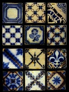 Patterned tiles - love the mix of shades and patterns Delft, Tile Art, Mosaic Tiles, Tile Patterns, Textures Patterns, Tuile, Blue Tiles, Style Tile, Decorative Tile