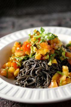 "Black bean ""pasta"" heirloom tomato, garlic, basil, red pepper flakes, olive oil #blackbeanspaghetti #beanpasta  www.explore-asian.com"