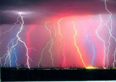 Catatumbo lightning appears almost every night with average 28 lightning strikes per minute and up to 10 hours at a time. Theme Nature, All Nature, Science And Nature, Amazing Nature, Nature Pictures, Beautiful Sky, Beautiful World, Monte Fuji Japon, Lightning Photography