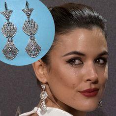 @adrianaugarte10 with #BelleEpoque #earrings by @barcenajoyas #gold #platinum & #brilliant #cut #diamonds  #PalmerasEnLaNieve #premiere  __________  #AdrianaUgarte con #pendientes Belleza Epoque de #BárcenaJoyas #oro #platino y #brillantes en la premiere de Palmeras en la nieve __________  #DeJoyaEnJoya #FromJewelToJewel #RedCarpet #celebrity #actress #style #fashion #vintage #VintageJewelry #JewelsInWhite #luxury #InstaGlamour #ElArmarioDePepa #InstaGold #InstaJewels
