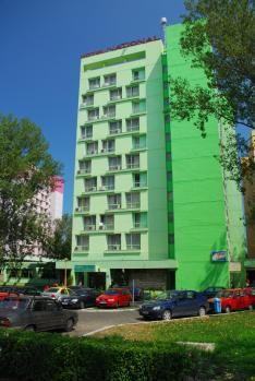 http://www.cazarepelitoral.ro/cazare-mamaia/hotel-national.html