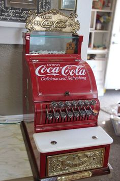 Gorgeous Heavy Real Vintage Coca Cola Cash Register by OldBeaverAntiques Coca Cola Vintage, Coca Cola Ad, Always Coca Cola, World Of Coca Cola, Coca Cola Decor, Coca Cola Kitchen, Deco Retro, Boutique Deco, Cash Register