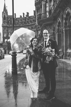 St Pancras Kings Cross Wedding by LM Weddings Photography | Flowers The Flower Appreciation Society | Brides Dress Jenny Packham Susanna