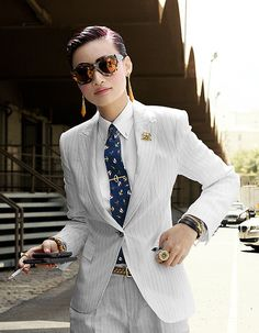 """Queen of Menswear gogetdressed: """"I've always been a fan of a good suit on a lady. Post Bianca, no one seems to master a suit better than Esther Quek. Fashion director of The Rake,. Estilo Dandy, Estilo Tomboy, Tomboy Stil, Androgynous Fashion, Tomboy Fashion, Look Fashion, Fashion Outfits, Womens Fashion, Androgyny"""